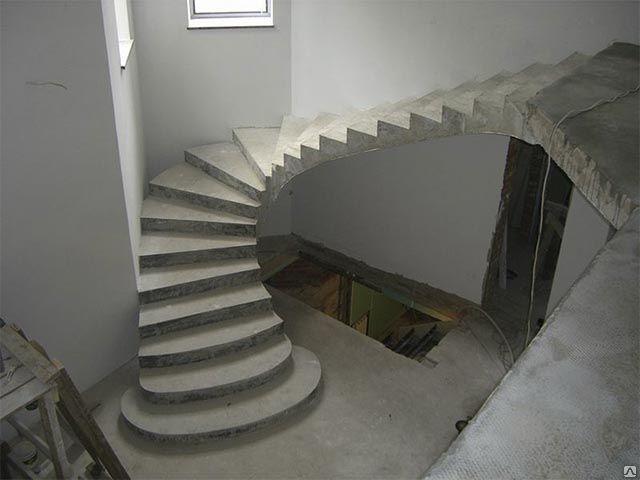 Бетонные лестницы в Октябрьском